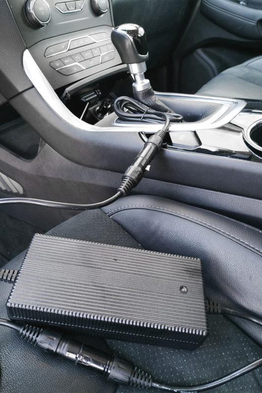 eflizzer Auto Solar Ladegerät im Auto 1